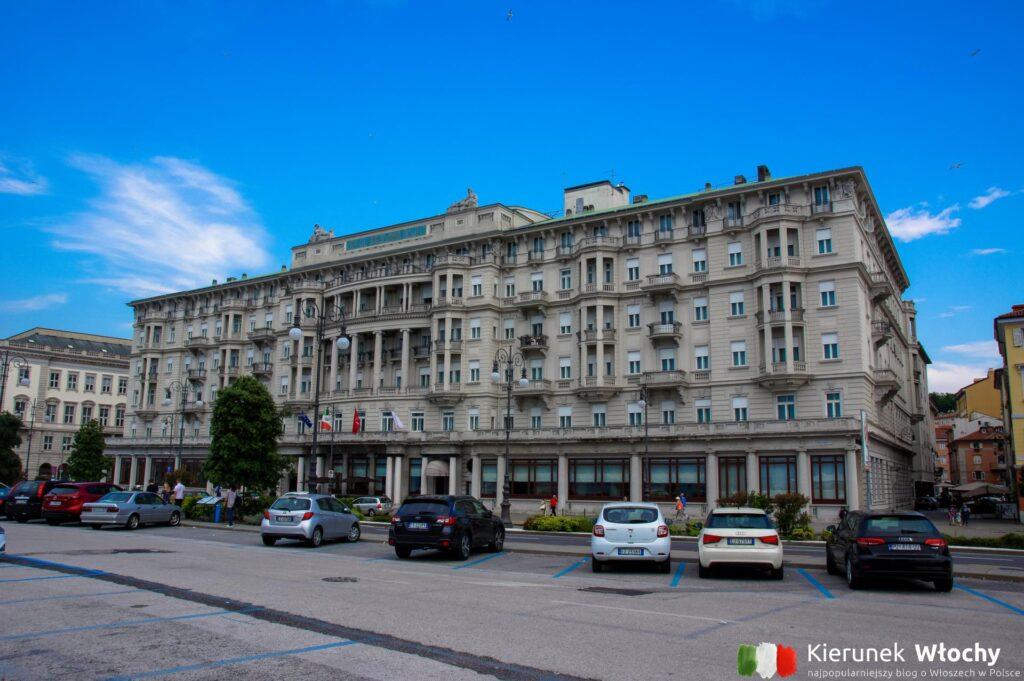 nasz parking w sąsiedztiwe Piazza Unita d'Italia, centrum Triestu (fot. Ł. Ropczyński, kierunekwlochy.pl)