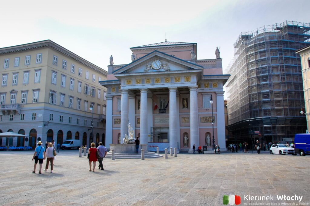 Piazza della Borsa w Trieście, Włochy (fot. Ł. Ropczyński, kierunekwlochy.pl)