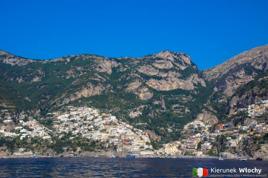 widok na Positano ze statku, Wybrzeże Amalfitańskie, Włochy (fot. Łukasz Ropczyński, kierunekwlochy.pl)