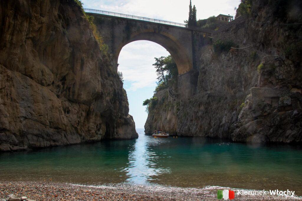 Fiordo di Furore, wybrzeże Amalfi, Włochy (fot. Ł. Ropczyński, kierunekwlochy.pl)