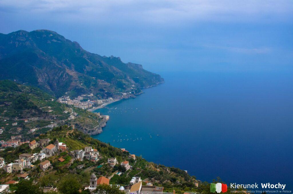 widok z Ravello, wybrzeże Amalfi, Włochy (fot. Ł. Ropczyński, kierunekwlochy.pl)