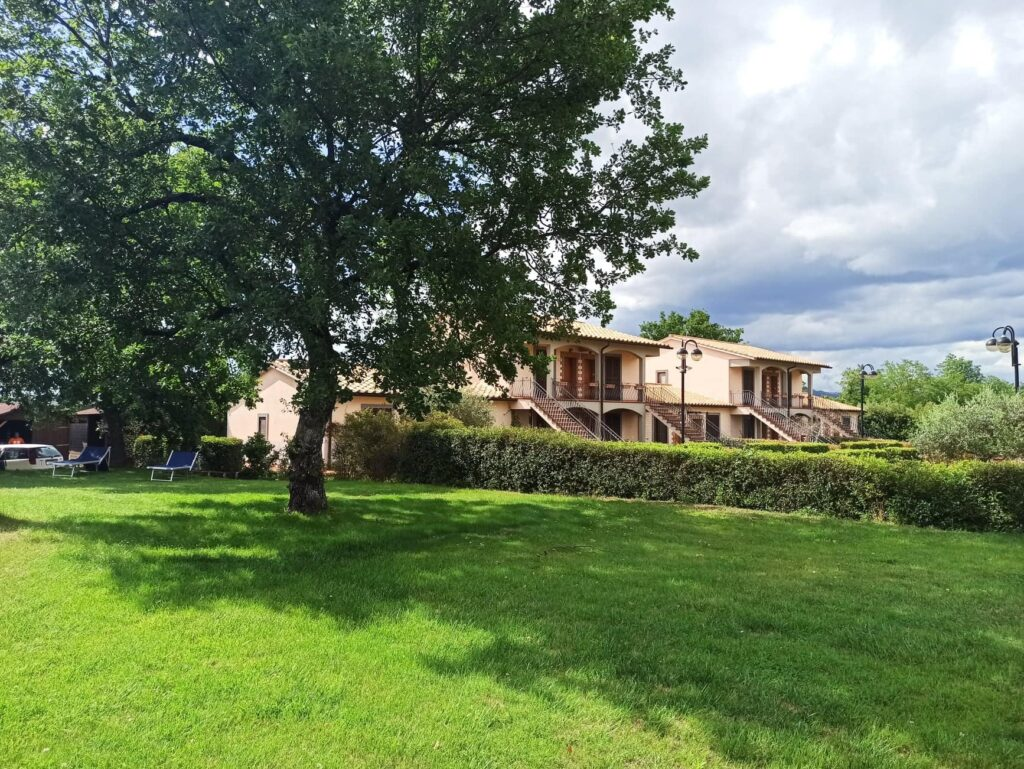 Villaggio Le Querce - apartamenty w Toskanii z basenem