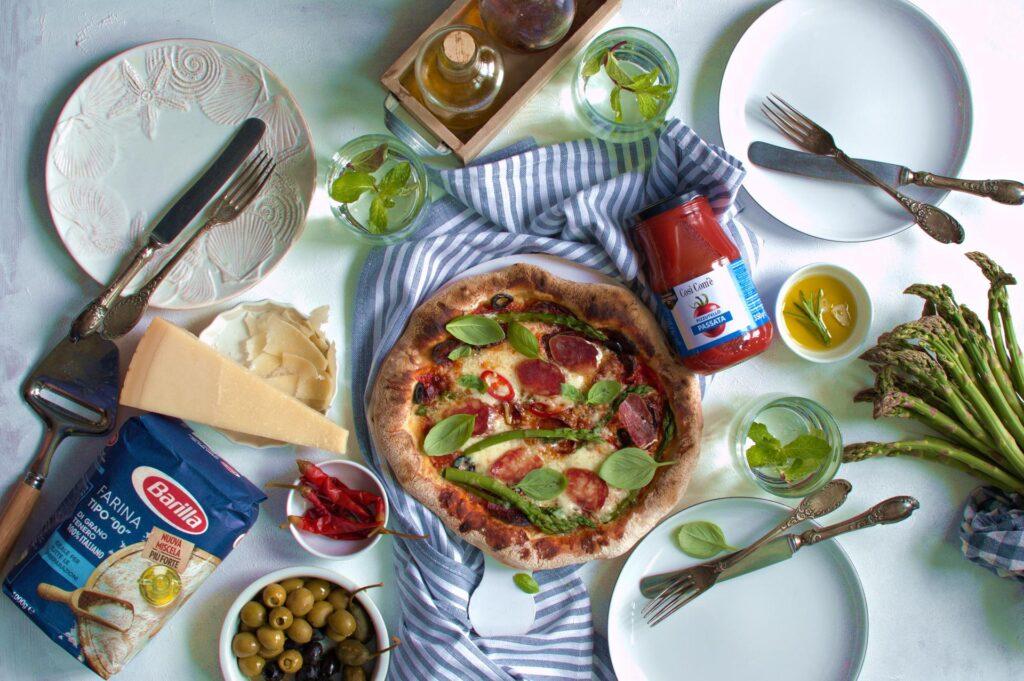 w naszych Delikatesach m.in. oliwa z oliwek, mąka do pizzy i gotowe sosy