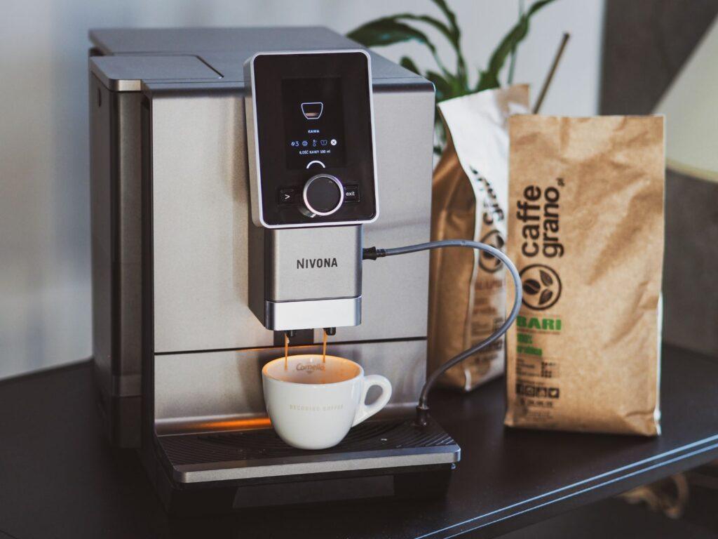 automatyczny ekspres do kawy marki Nivona