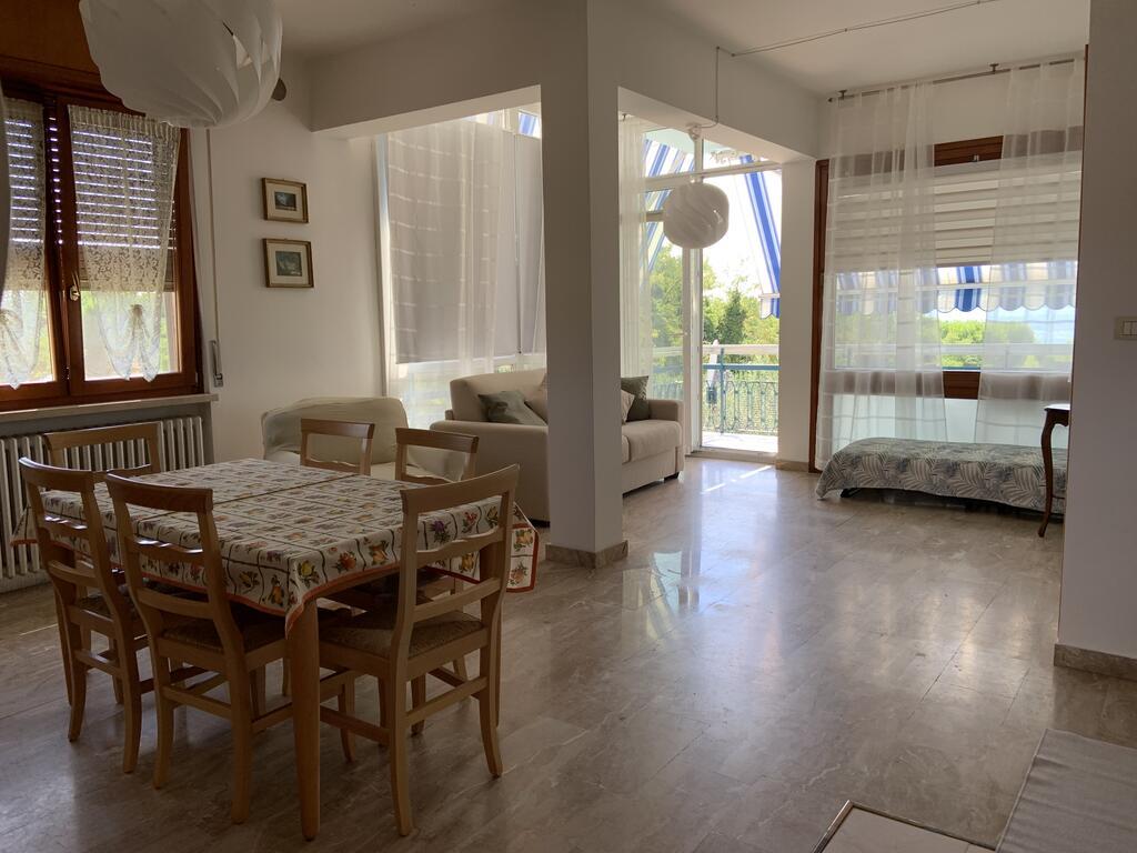 Valeriana Vacanze znajduje się w miejscowości Pacengo di Lazise, na wschodnim brzegu jeziora Garda