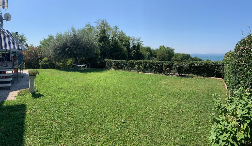 Apartament Sirmione ma 70 m2 a Baldo 60 m2, do dyspozycji jest wspólny ogród