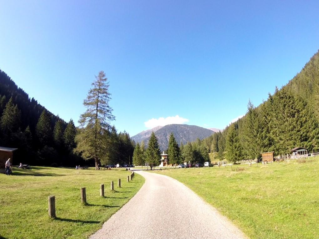 drogi rowerowe w Val di Sole są zazwyczaj odseparowane od ruchu samochodowego