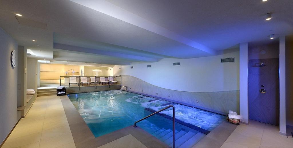 Część obiektów oferuje baseny, sauny i inne udogodnienia