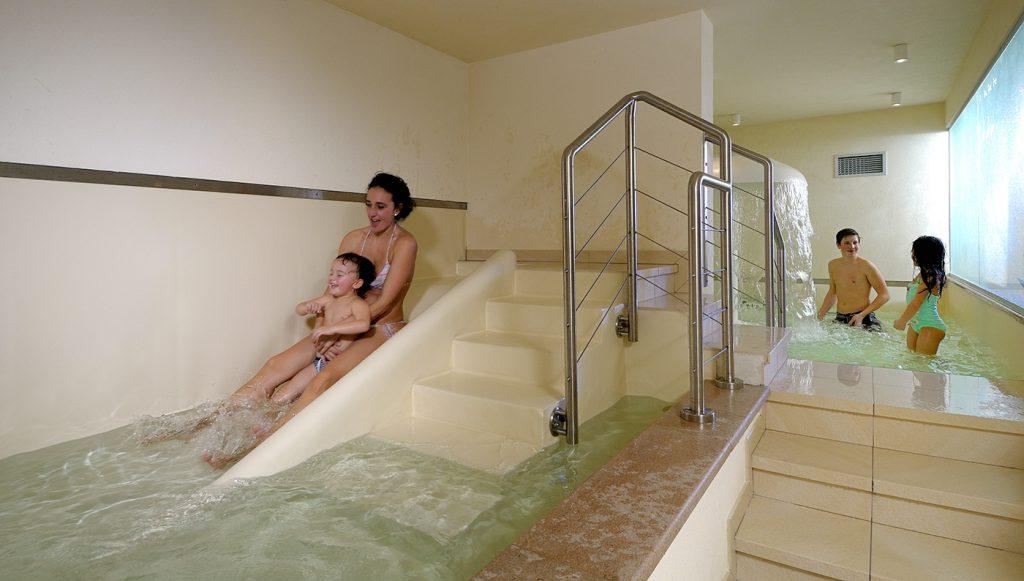 Tutejsze hotele i pensjonaty oferują atrakcje także dla najmłodszych dzieci