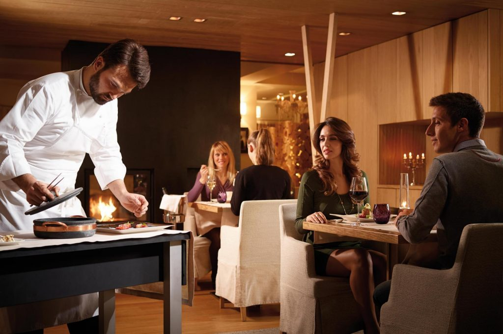w regionie Trentino znajduje się aż dziewięć restauracji wyróżnionych w przewodniku Michelin - każdy znajdzie tu kuchnię na miarę swoich możliwości i oczekiwań (fot. Carlo Baroni, visittrentino.info)