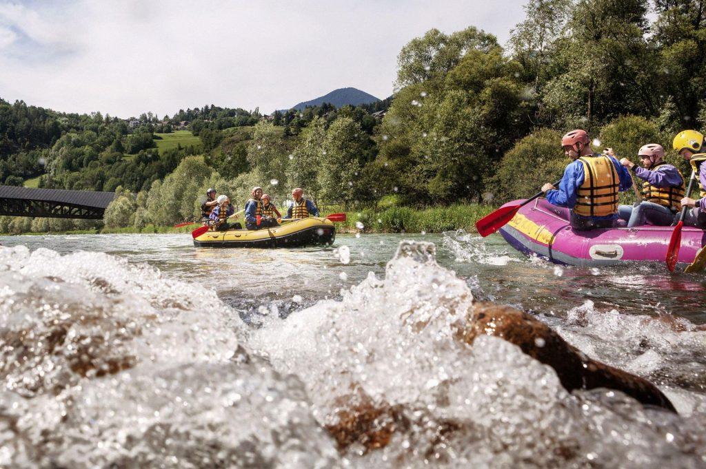 Rafting na rzece Noce w Val di Sole, Dolomity latem (fot. Pietro Masturzo, visittrentino.info)