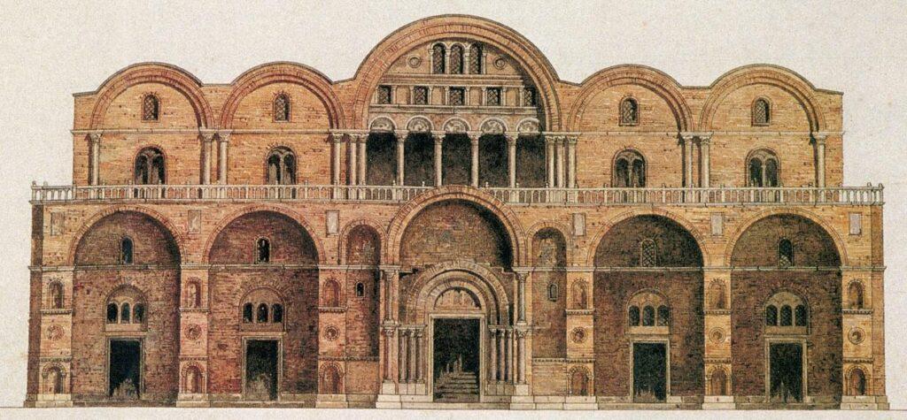 Wcześniejsza fasada Bazyliki św. Marka była z cegły, charakterystycznej dla stylu romańskiego.
