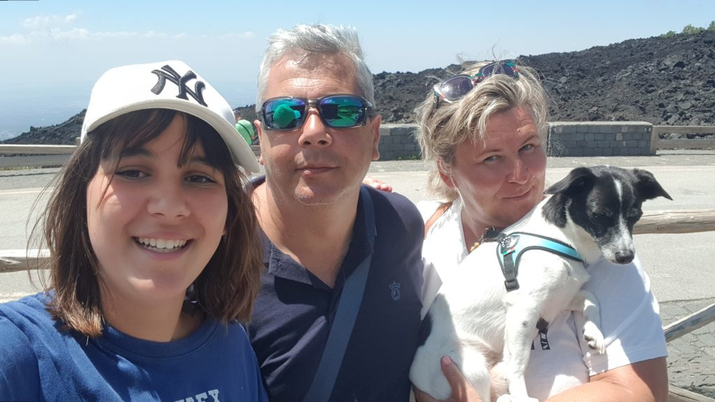 Ewa Kalinowska wraz z mężem, córką i swoim psem - właściciele Enterprise - Marangoni Viaggi w Lido di Jesolo