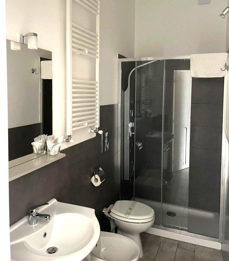 wszystkie pokoje posiadają prywatną łazienkę i zestaw kosmetyków