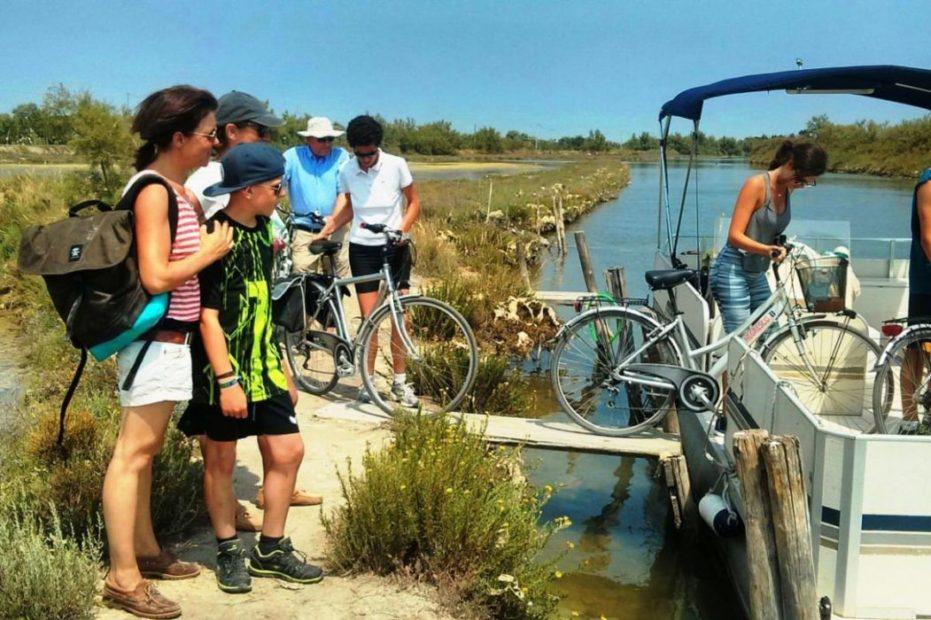 rowerzyści mogą korzystać ze specjalnego promu