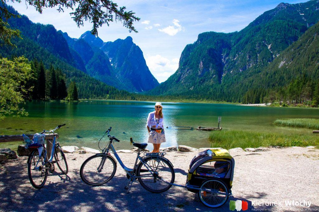 trasa rowerowa z San Candido nad jezioro Dobbiaco ma 7 km długości, wakacje w Dolomitach (fot. Łukasz Ropczyński, kierunekwlochy.pl)