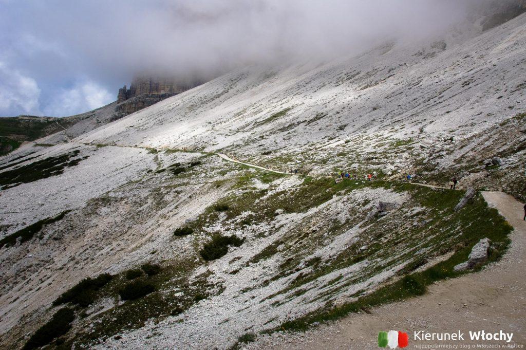 szlak wokół Tre Cime di Lavaredo jest łatwy nawet dla amatorów (fot. Łukasz Ropczyński, kierunekwlochy.pl)