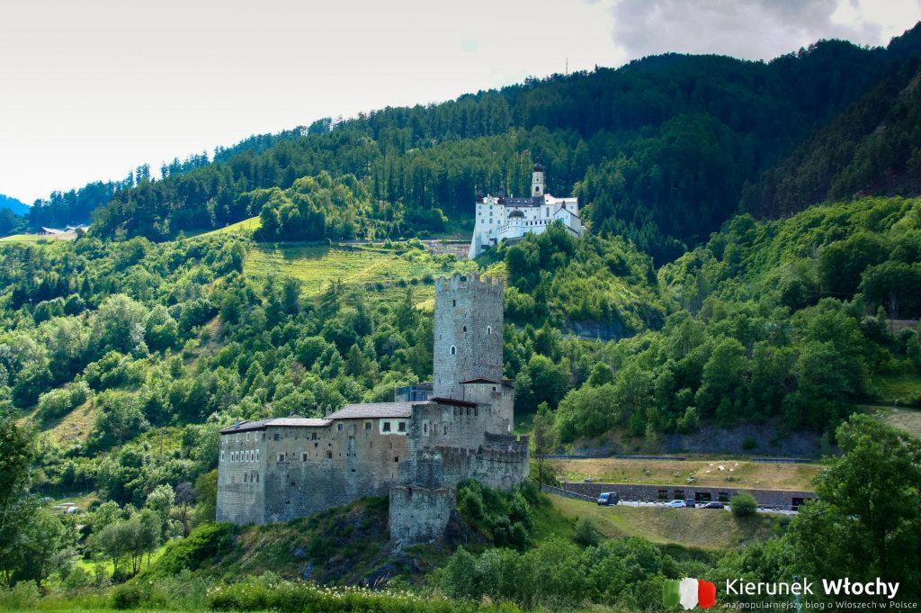 Castello del Principe w Burgusio, w tle Abbazia di Monte Maria (fot. Łukasz Ropczyński, kierunekwlochy.pl)